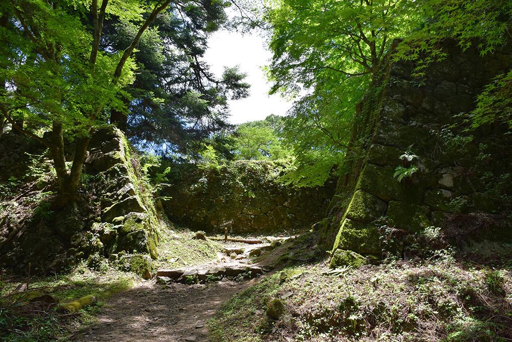 日本最大の山城、高取城登城記。 その4 <大手門~二ノ丸>_e0158128_11414885.jpg