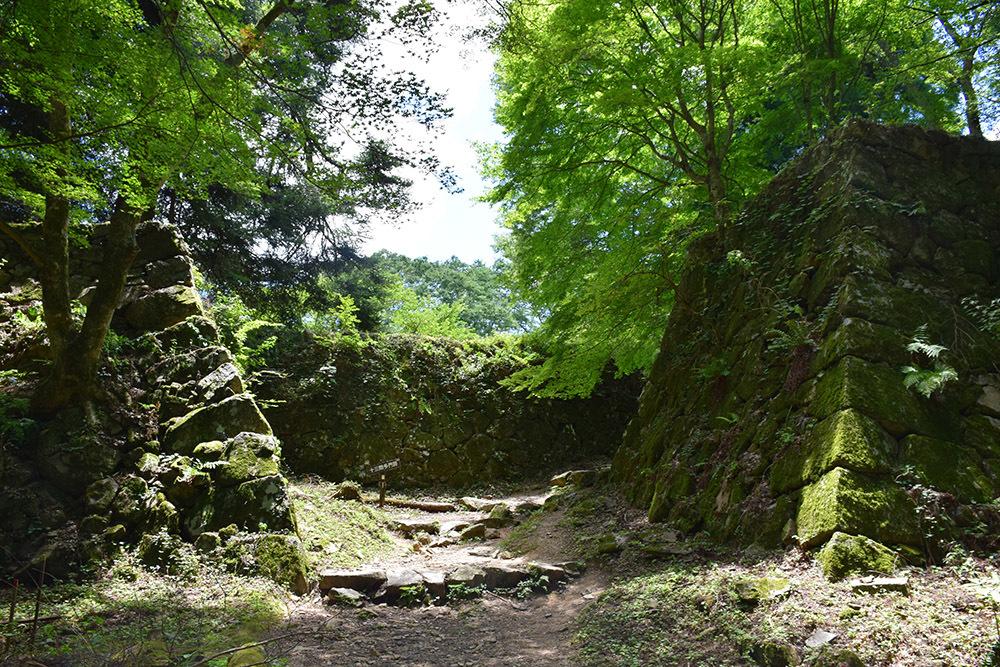 日本最大の山城、高取城登城記。 その4 <大手門~二ノ丸>_e0158128_11472995.jpg