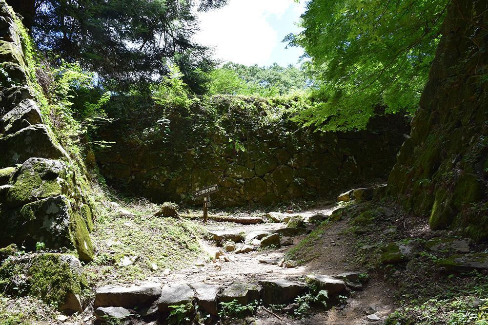 日本最大の山城、高取城登城記。 その4 <大手門~二ノ丸>_e0158128_11473609.jpg