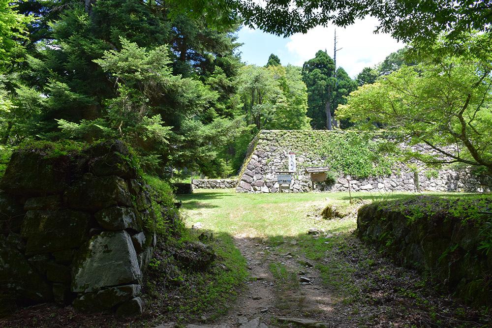 日本最大の山城、高取城登城記。 その4 <大手門~二ノ丸>_e0158128_11563397.jpg