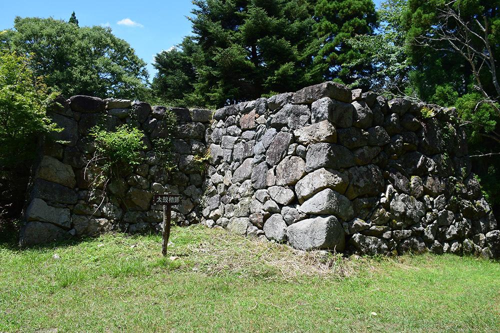 日本最大の山城、高取城登城記。 その4 <大手門~二ノ丸>_e0158128_13213190.jpg