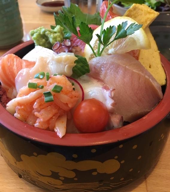 貴重なミル貝の入ったちらし寿司_e0350971_10382052.jpg