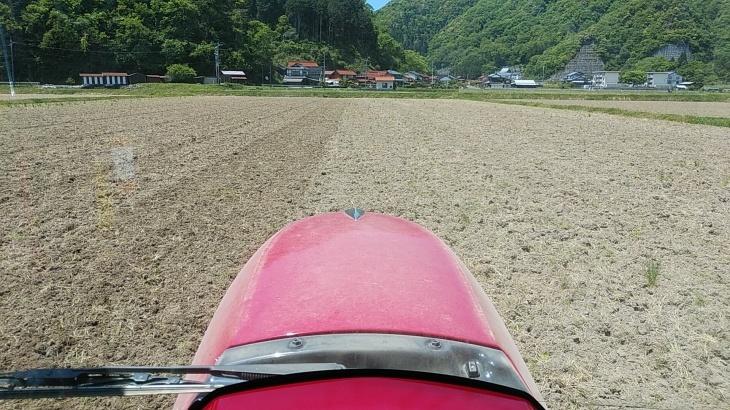 今年の田んぼの耕うん事情_b0274329_13291223.jpg