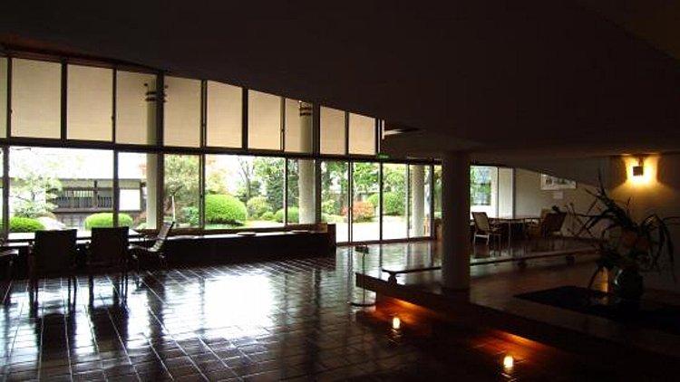 松江城の堀端を歩く_c0112559_08450808.jpg