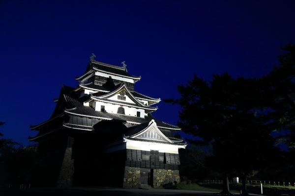 松江城ライトアップ(GW島根旅⑦)_c0332548_07555743.jpg