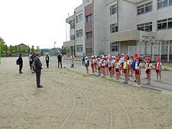 田植え体験(緑ヶ丘小・北郷小) _d0247484_9562183.jpg