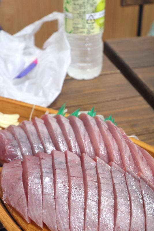 久礼大正町市場の山本鮮魚店で、美味しい初かつおを食べる!!_a0077663_19214717.jpg