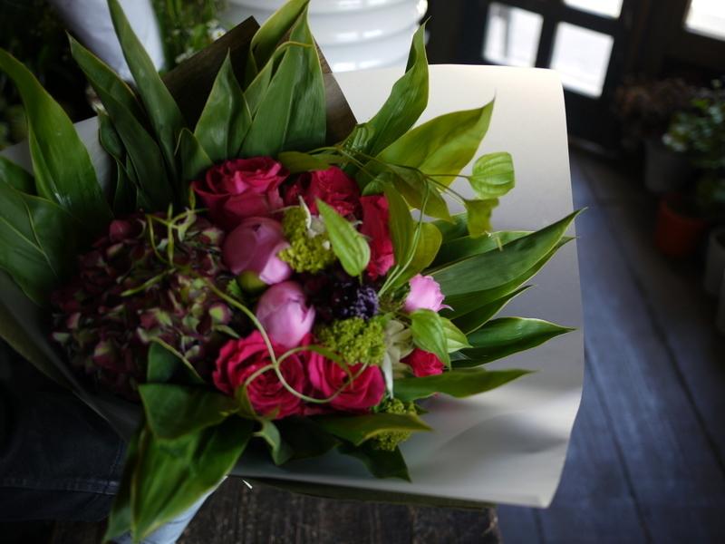 母の日の花束。「濃いピンク系」。2019/05/12。_b0171193_18215034.jpg