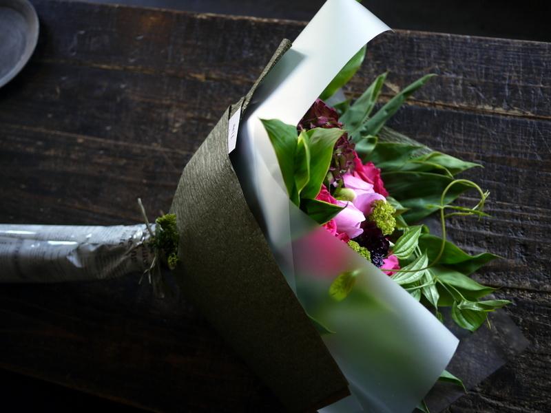 母の日の花束。「濃いピンク系」。2019/05/12。_b0171193_18215797.jpg