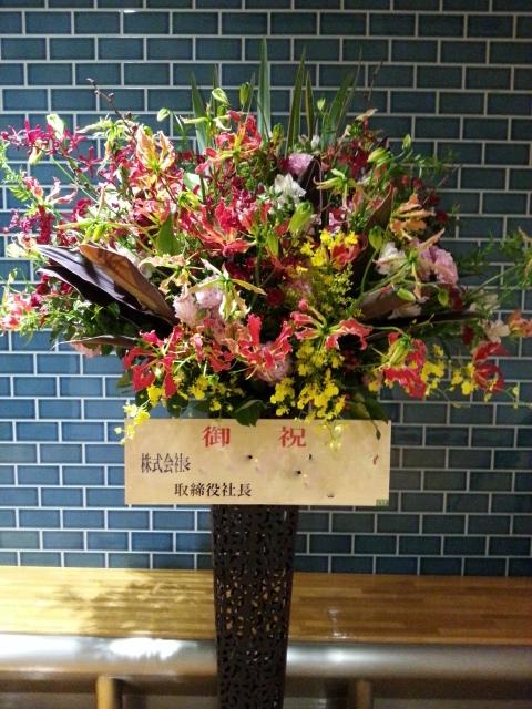 スタンド装花あれこれ。_a0162354_20161372.jpg