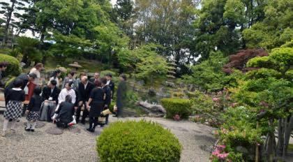新緑が綺麗な庭園等......婚礼写真は鳥取市内の有隣荘で......_b0194185_21172297.jpg