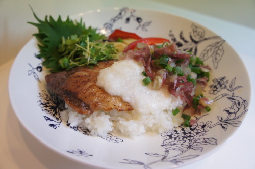 【夏の鰤とろろ丼(レシピ)】_f0215714_16330589.jpg