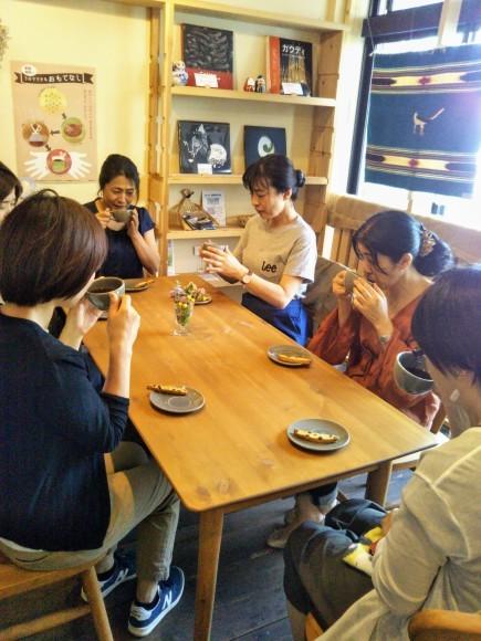 ゲイシャお茶会_e0349922_13275927.jpg