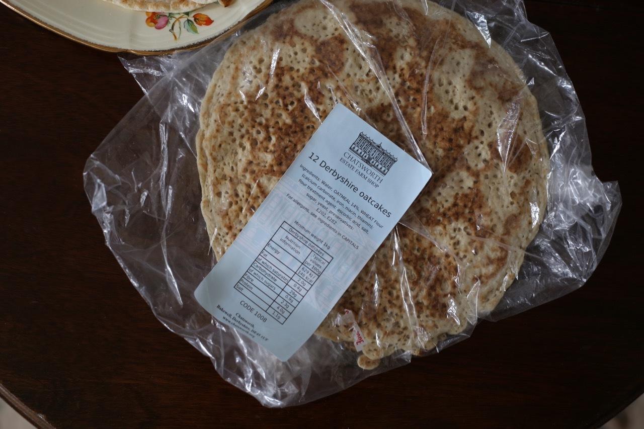パンケーキのようなダービーシャーオーツケーキ_f0380234_05534038.jpg