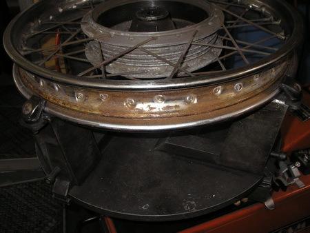 KAWASAKI  W1+中野SPサイドカー タイヤ交換_e0218639_10084346.jpg