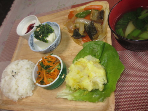 今週のメニューは沢山いただいた野菜が大活躍_b0340798_10460925.jpg
