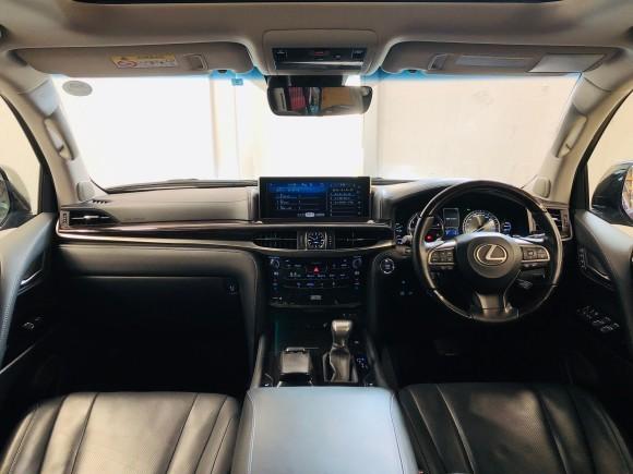 5月16日(木) 本店ブログ♪28年車レクサス LX570 4WD☆ワンオーナー ランクル ハマー ヴェルファイア_b0127002_16292558.jpg