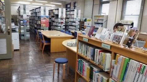 県議会図書館は魅力的です!_d0050503_10180557.jpg