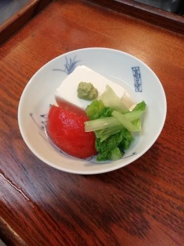 味付け冷奴、トマトのお浸し、三東菜、わさび。_e0116211_18155988.jpg