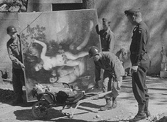 ヒトラーVS.ピカソ 奪われた名画の行方 Hitler contro Picasso e gli altri_e0040938_15262701.jpg