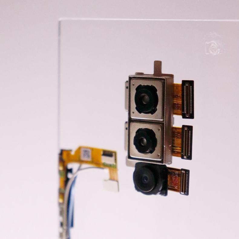 「Xperia 1」のトリプルレンズカメラが変態的にかっこよくてヨダレが出そう_c0060143_21525667.jpg