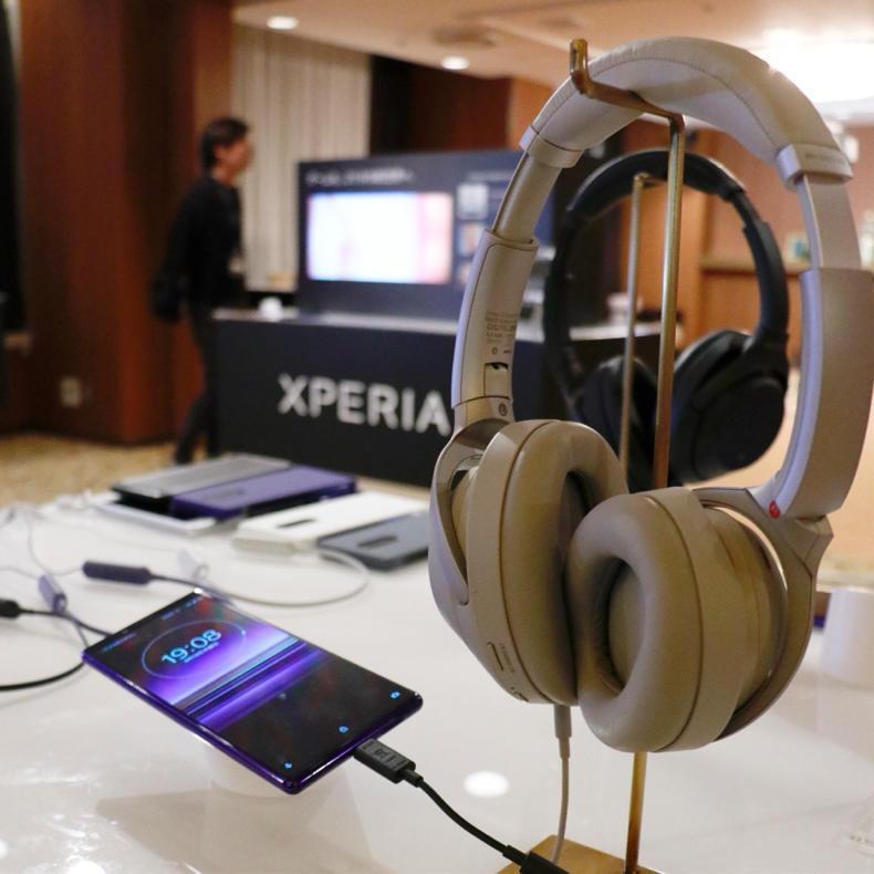 「Xperia 1」のトリプルレンズカメラが変態的にかっこよくてヨダレが出そう_c0060143_21525824.jpg