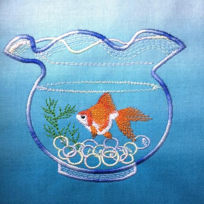 金魚鉢には金魚を(^^)_e0385587_15171947.jpeg