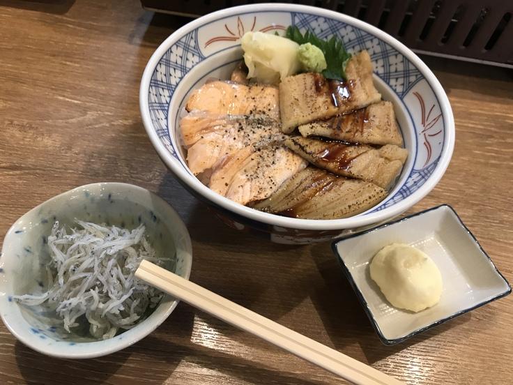 サーモンと穴子の炙り丼@磯丸水産_c0212604_12173328.jpg