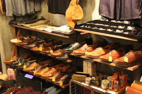 5月18日(土)は「アメリカ古着店頭出し」 & 19日(日)は「靴磨きイベント」_f0191324_23455065.jpg