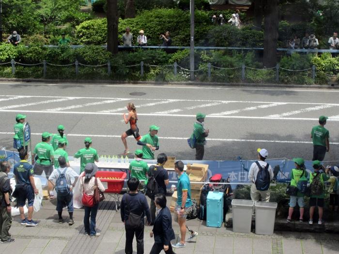 【モントレ横浜にランチに行ったら目の前でトライアスロンをやっていた】_b0009849_21341493.jpg