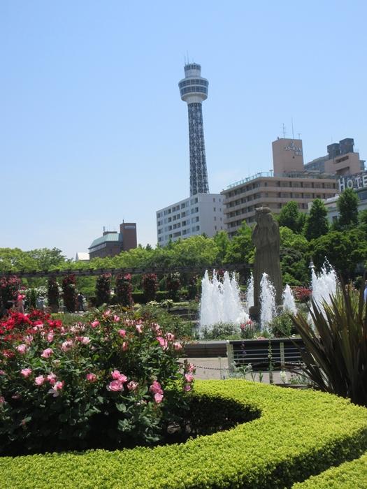 【モントレ横浜にランチに行ったら目の前でトライアスロンをやっていた】_b0009849_21424750.jpg