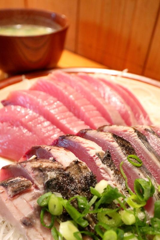 久礼大正町市場の田中鮮魚店 漁師小屋で、初ガツオを食べる_a0077663_16525218.jpg
