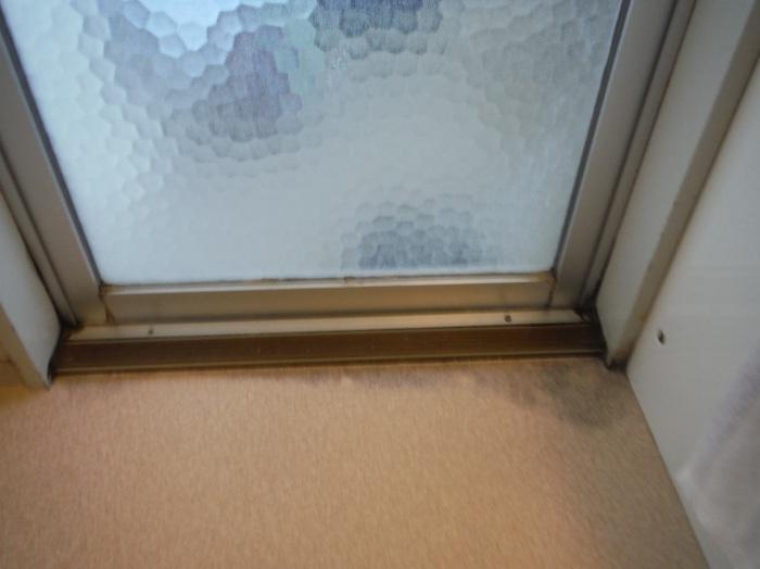 洗面所床の腐食補修 ~ 浴室ドア下が腐食_d0165368_16562627.jpg