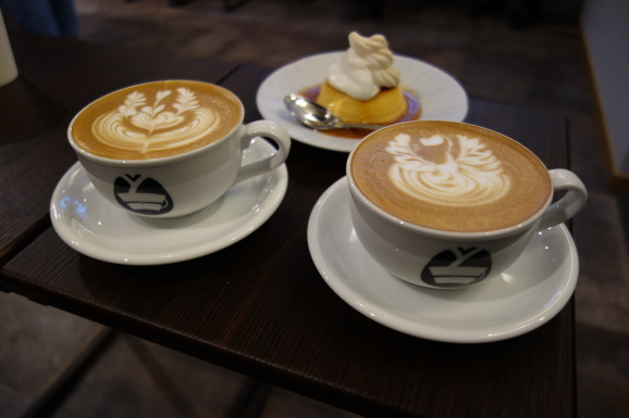 SUKEMASA COFFEEさんでラテとプリン_e0230011_16312284.jpg