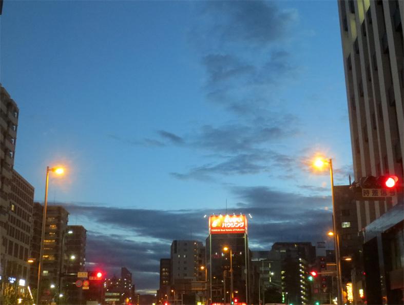 ■最早、「道」は自分で探すしか――週替わりの夕暮れ[5/9・18・19]_d0190217_21401223.jpg