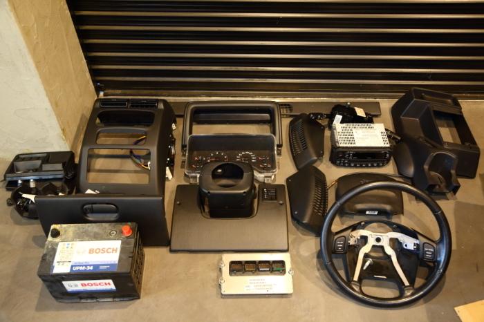 店頭展示のJKとご納車のTJ そして水漏れ修理のTJ_f0105425_19064595.jpg