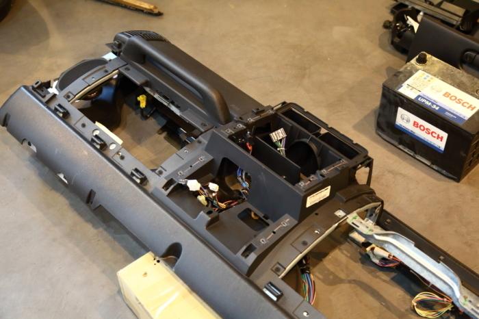 店頭展示のJKとご納車のTJ そして水漏れ修理のTJ_f0105425_19094594.jpg