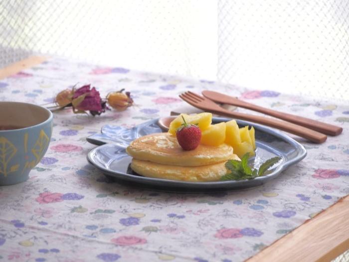 りんごのパンケーキ_b0277136_14155650.jpeg