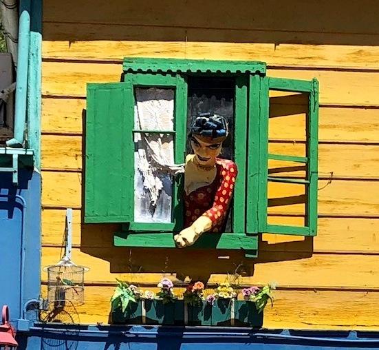 """中南米の旅/42 カラフル過ぎる街""""ボカ地区""""カミニート@ブエノスアイレス_a0092659_23272498.jpg"""