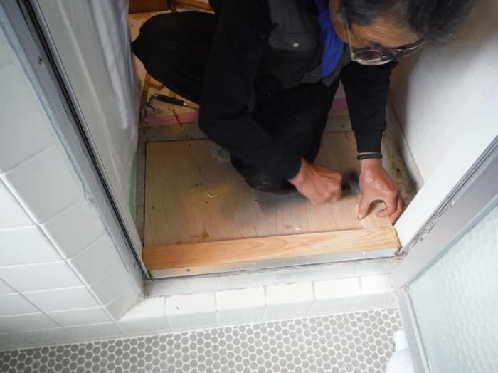 洗面所床の腐食補修 ~ 床復旧_d0165368_06334821.jpg