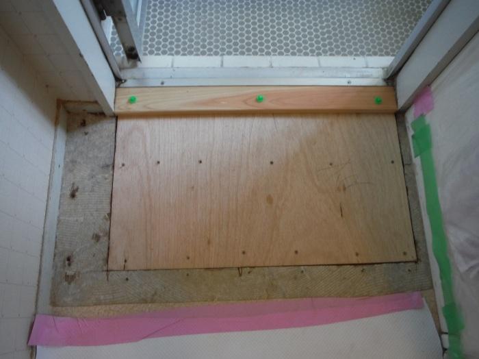 洗面所床の腐食補修 ~ 床復旧_d0165368_06335745.jpg