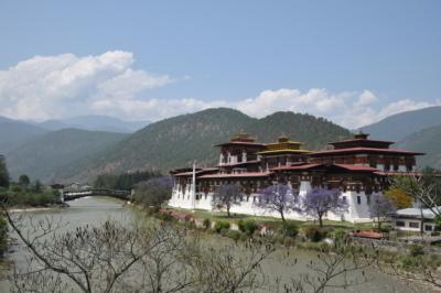 ブータンの仏教と生活 _d0297177_11545388.jpg