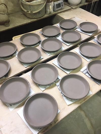 板皿 (丸)_a0043405_15425300.jpg