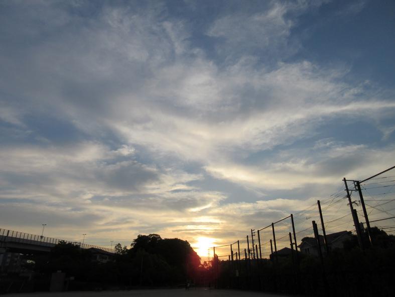 ■最早、「道」は自分で探すしか――週替わりの夕暮れ[5/9・18・19]_d0190217_13004023.jpg