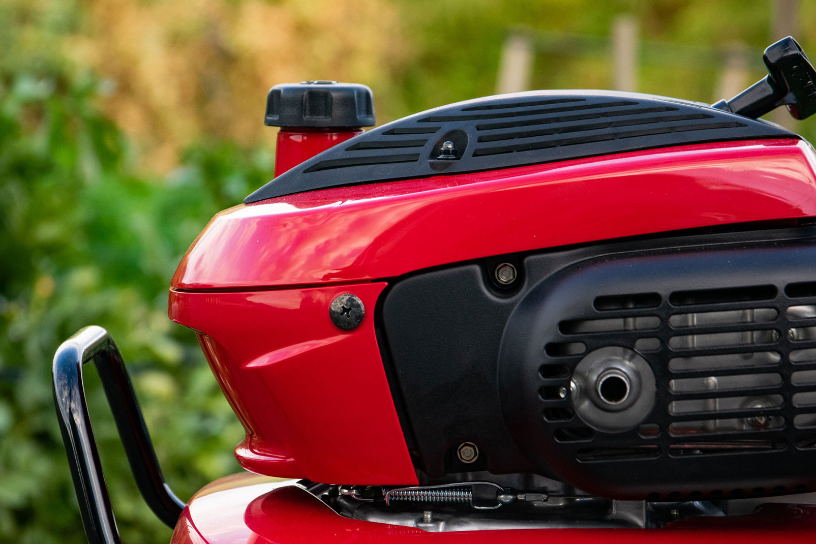 買ってしまった! 赤いフェラーリ。_d0032761_09395598.jpg