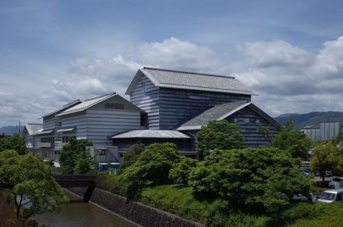 高知駅で借りた自転車でいくつか建築巡りをしてみました_d0004728_05432059.jpg