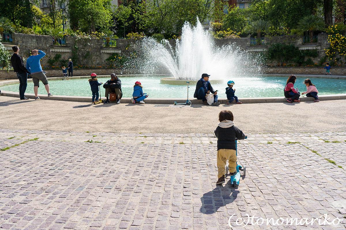 毎日のお散歩道。パリのあちこちにある公園たち_c0024345_18061623.jpg