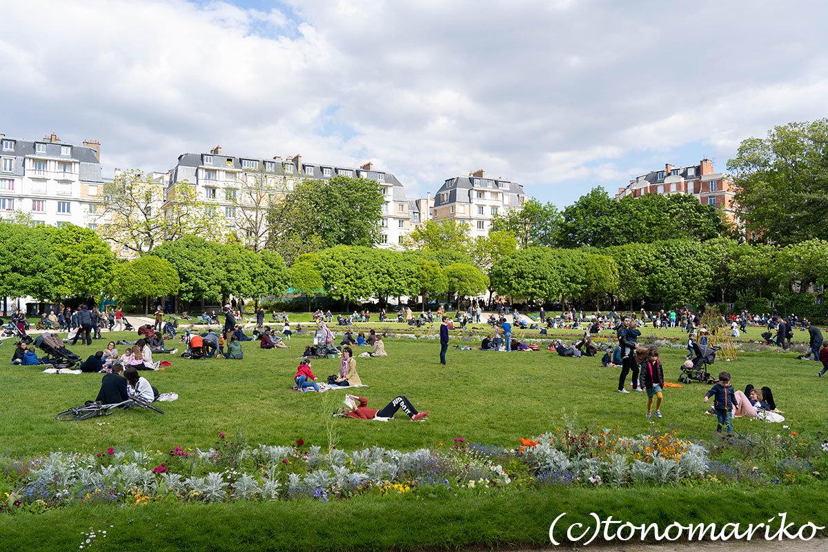 毎日のお散歩道。パリのあちこちにある公園たち_c0024345_18061710.jpg