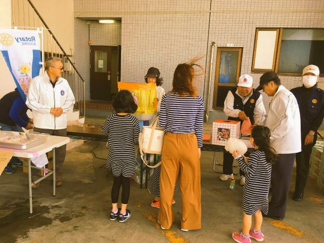 5/26(日)8時~令和初の『ロータリー朝市』銚子大橋たもとにて開催!_f0229750_11115031.jpg