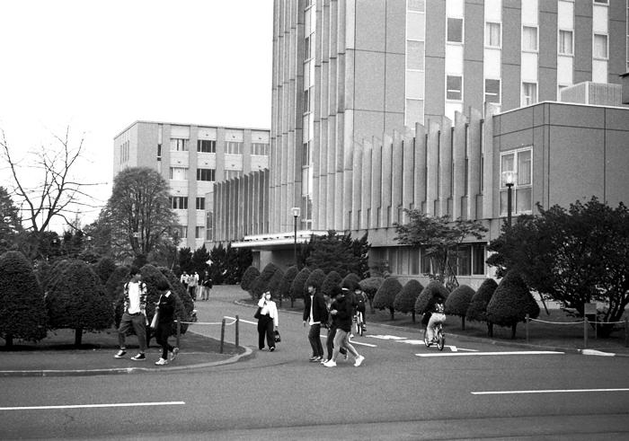 キャンパス寸景と漢文講読_c0182775_18395192.jpg